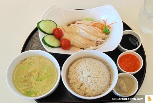 Cơm gà Hải Nam, món ăn hấp dẫn tại Singapore