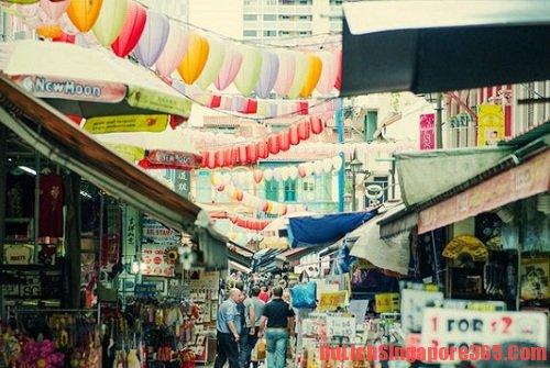 Khu phố Tàu, một trong những địa điểm mua quà lưu niệm tại singapore bạn nên biết
