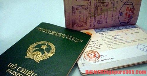 Hộ chiếu được đóng dấu nhiều nước là bí quyết giúp bạn nhập cảnh Singapore nhanh chóng