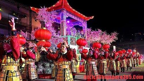 Chingay lễ hội trong dịp tết cổ truyền của người Singapore không thể bỏ qua