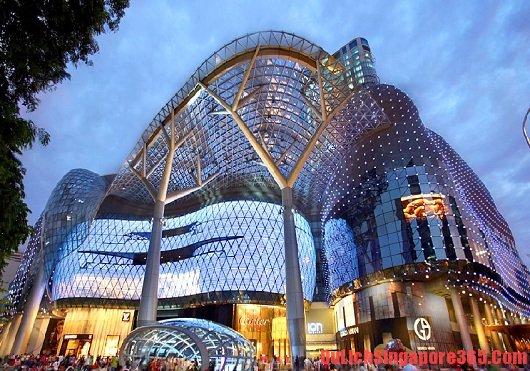 Orchard Road - Địa điểm mua sắm nổi tiếng khi du lịch Singapore